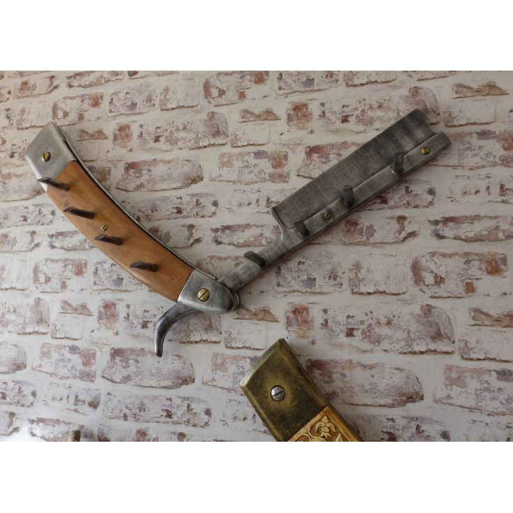 Cut Throat Barbers Coat Hook Smithers Archives £ 660.00 Store UK, US, EU, AE,BE,CA,DK,FR,DE,IE,IT,MT,NL,NO,ES,SE