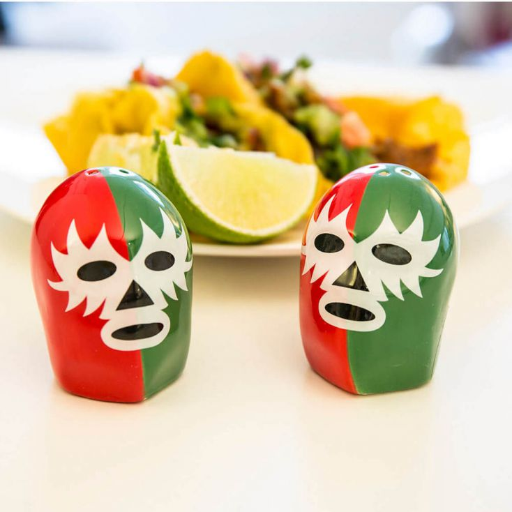DOS Luchadores Salt & Pepper Pots Retro Gifts £ 10.00 Store UK, US, EU, AE,BE,CA,DK,FR,DE,IE,IT,MT,NL,NO,ES,SE