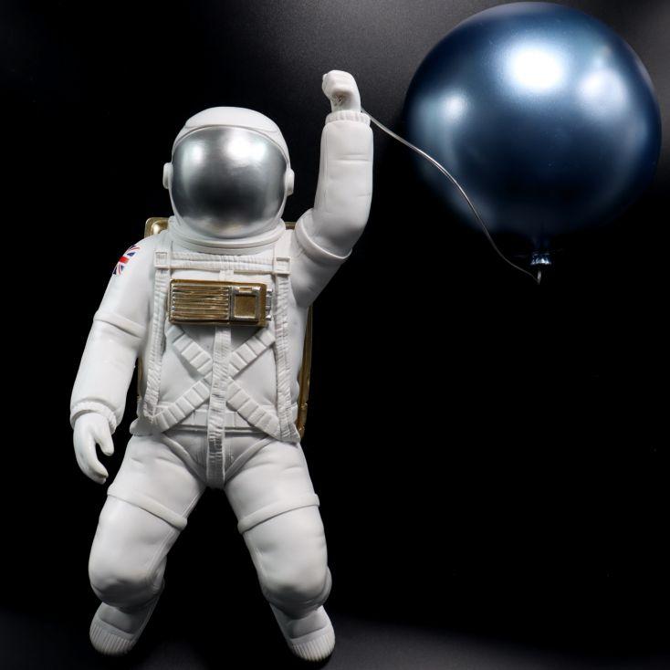 Astronaut With Balloon Retro Gifts £ 85.00 Store UK, US, EU, AE,BE,CA,DK,FR,DE,IE,IT,MT,NL,NO,ES,SE