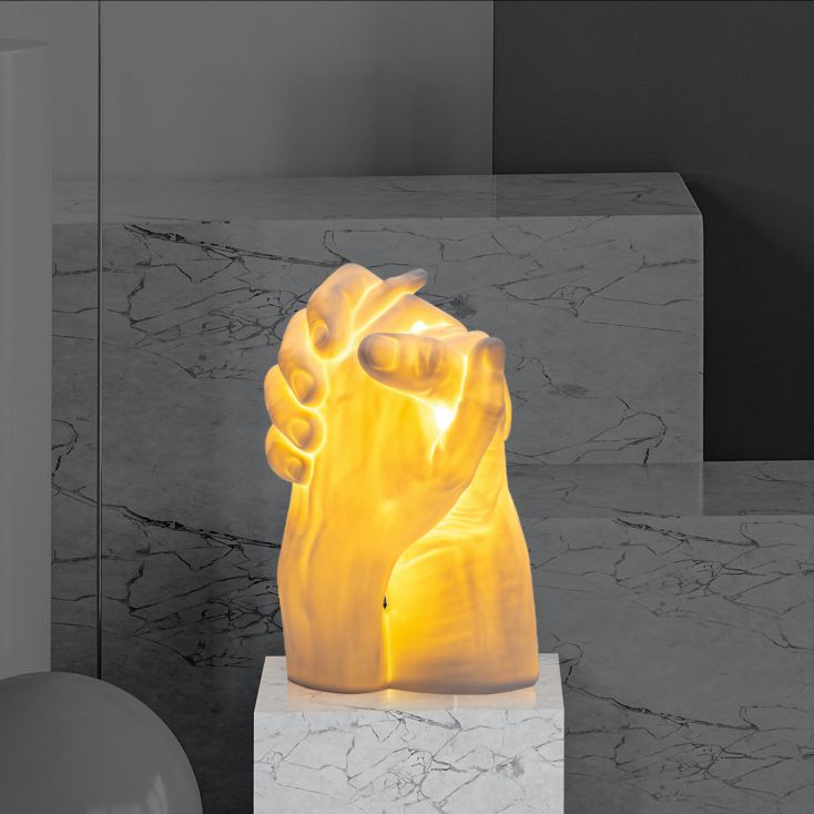 With ME Lamp Retro Ornaments £ 139.00 Store UK, US, EU, AE,BE,CA,DK,FR,DE,IE,IT,MT,NL,NO,ES,SE