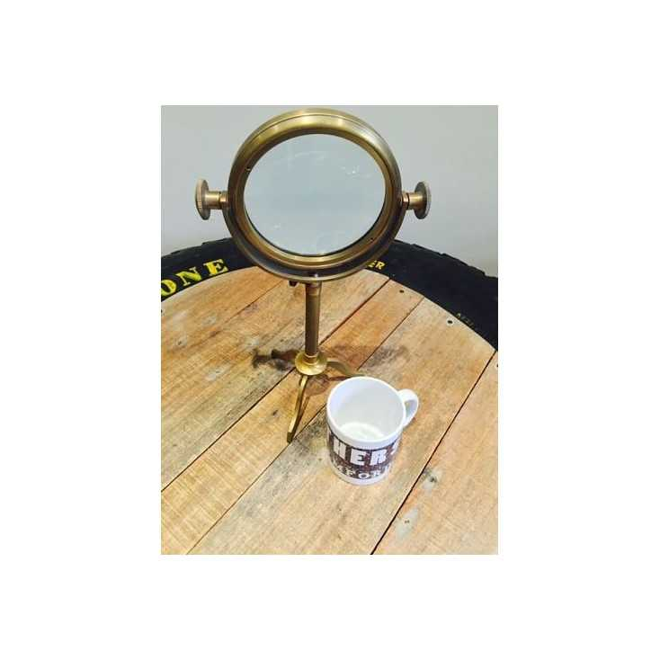 Vintage Brass Magnifier On Stand Smithers Archives Smithers of Stamford £ 75.00 Store UK, US, EU, AE,BE,CA,DK,FR,DE,IE,IT,MT,...