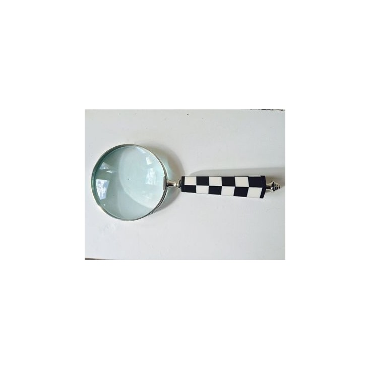 Black and White Magnifying Glass Home Smithers of Stamford £ 24.50 Store UK, US, EU, AE,BE,CA,DK,FR,DE,IE,IT,MT,NL,NO,ES,SE