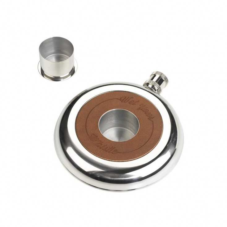 Wet Your Whistle Hipflask Smithers Archives  £ 30.00 Store UK, US, EU, AE,BE,CA,DK,FR,DE,IE,IT,MT,NL,NO,ES,SE