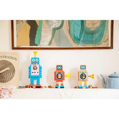 Robot Nut Cracker Retro Gifts  £ 16.00 Store UK, US, EU, AE,BE,CA,DK,FR,DE,IE,IT,MT,NL,NO,ES,SE