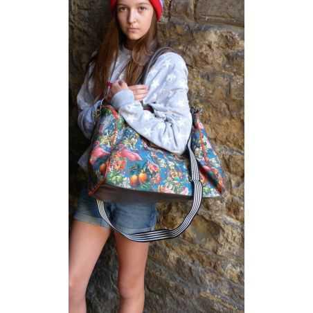 Zebra Travel Bag Smithers Archives  £ 70.00 Store UK, US, EU, AE,BE,CA,DK,FR,DE,IE,IT,MT,NL,NO,ES,SE