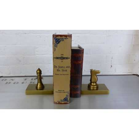 Chess Bookends Smithers Archives Smithers of Stamford £ 50.00 Store UK, US, EU, AE,BE,CA,DK,FR,DE,IE,IT,MT,NL,NO,ES,SE