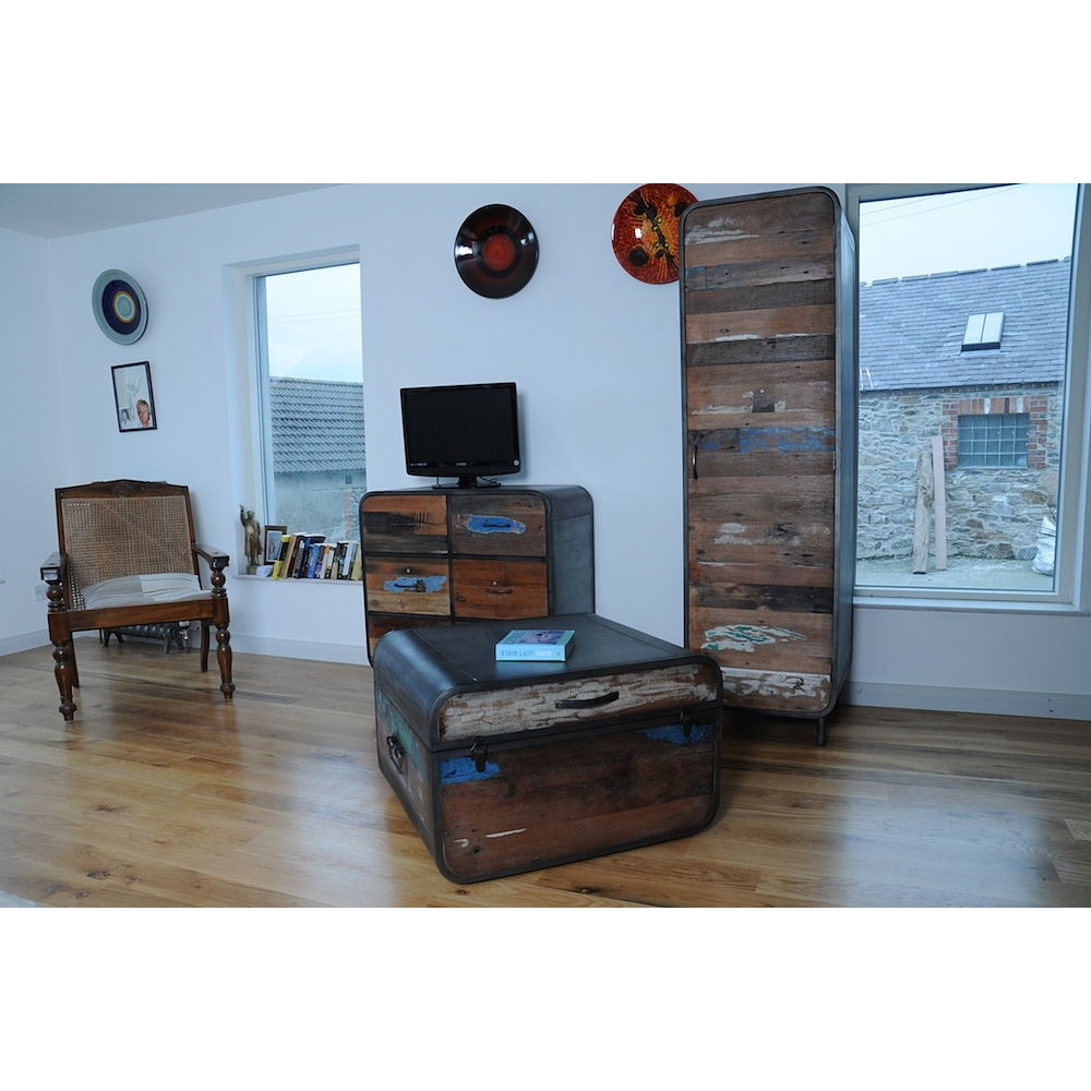 Beautiful New York Loft Reclaimed Wood Coffee Tables: Nautical Storage Trunk Coffee Tables British Designer