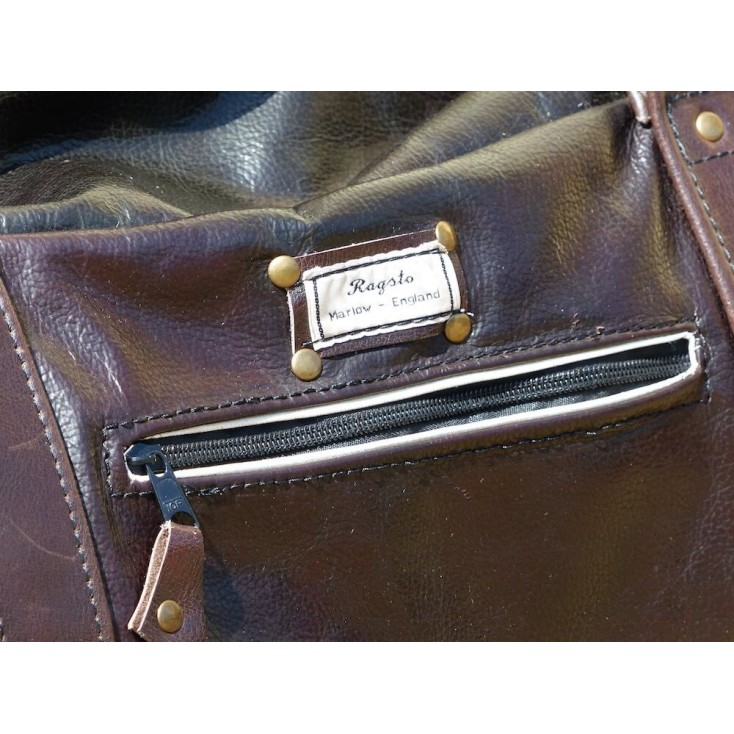 Ragsto Weekend Holdall Smithers Archives £ 192.00 Store UK, US, EU, AE,BE,CA,DK,FR,DE,IE,IT,MT,NL,NO,ES,SE
