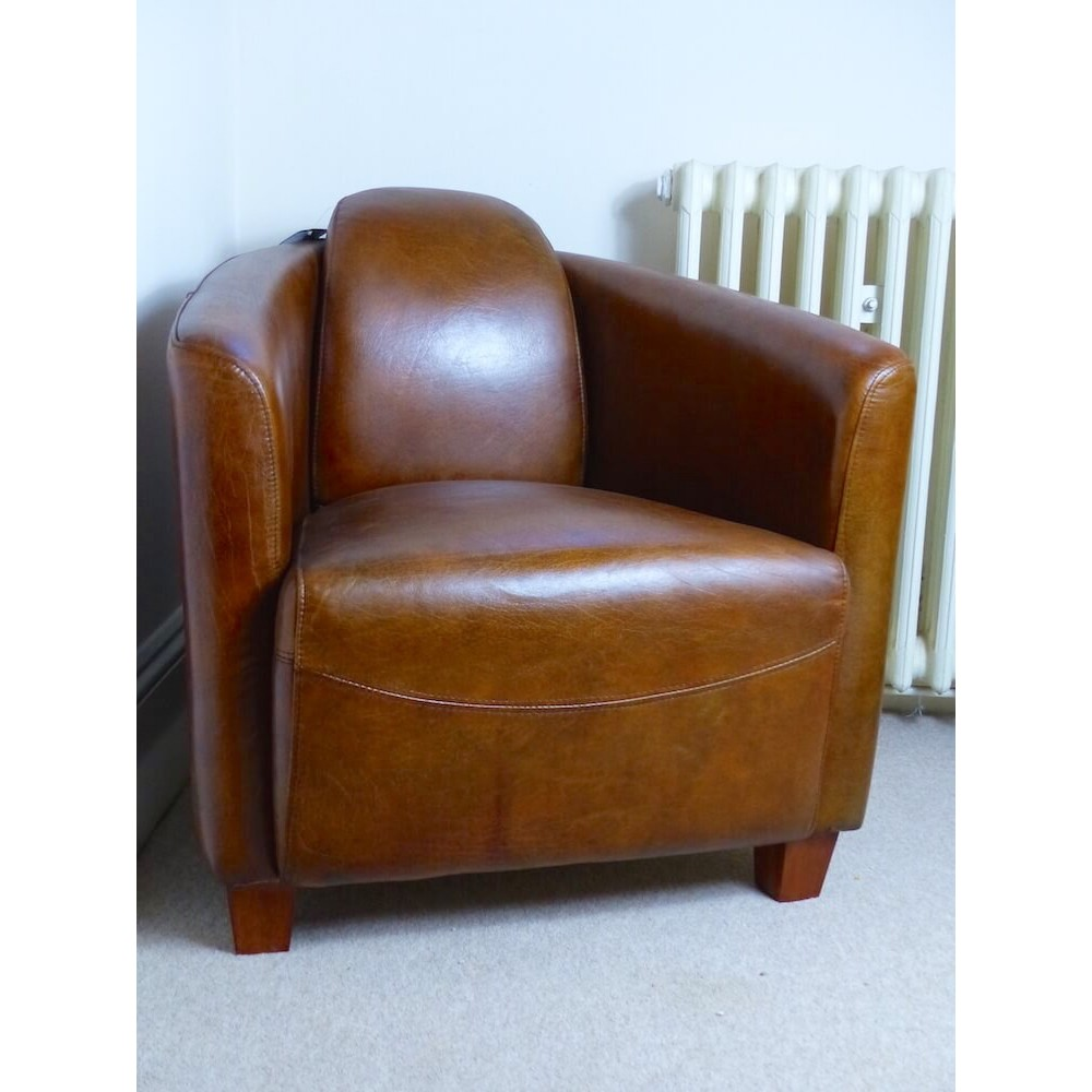 Vintage Leather Armhair In Classic Furniture Design From