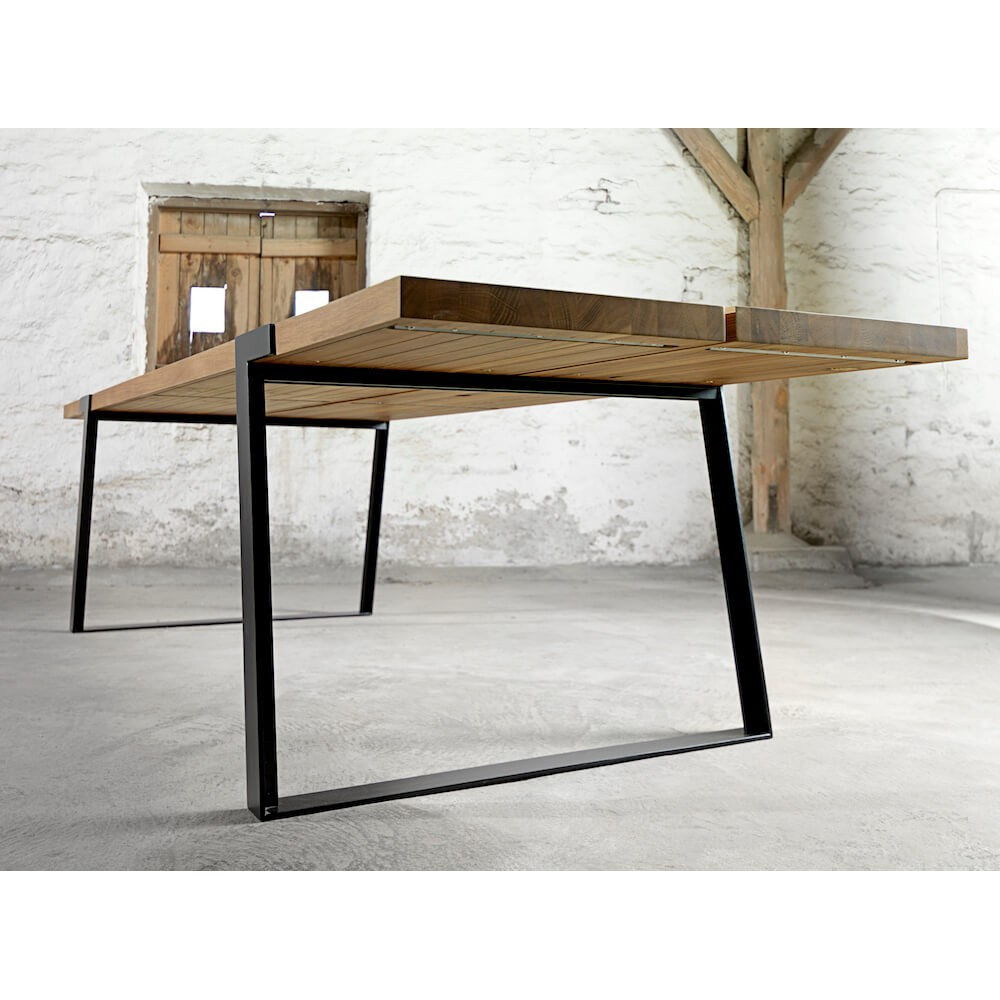 Gigant rustic dining room table industrial design modern for Rustic modern dining room table