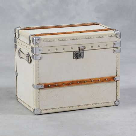 British white leather trunk Home Smithers of Stamford £ 462.00 Store UK, US, EU, AE,BE,CA,DK,FR,DE,IE,IT,MT,NL,NO,ES,SE