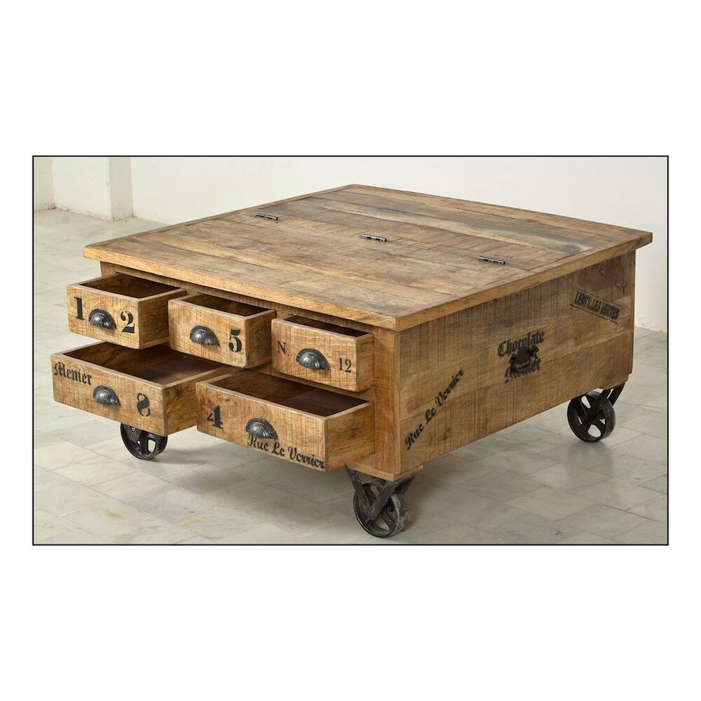 Rustic Trunk Coffee Table; Rustic Trunk Coffee Table