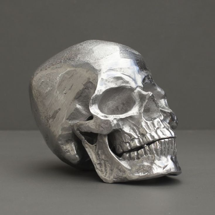 Silver Skeleton Skull Retro Ornaments Smithers of Stamford £ 45.00 Store UK, US, EU, AE,BE,CA,DK,FR,DE,IE,IT,MT,NL,NO,ES,SE