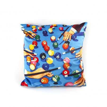 Seletti Wears Toiletpaper Cushions Seletti Seletti £ 98.00 Store UK, US, EU, AE,BE,CA,DK,FR,DE,IE,IT,MT,NL,NO,ES,SE