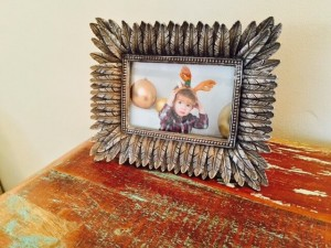 Antique-feather-photo-frame
