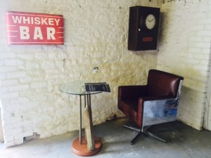 vintage-whiskey-bar-wall-sign